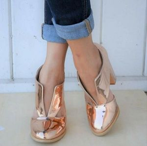 Women's Rose-Gold Metallic Ankle Shoes